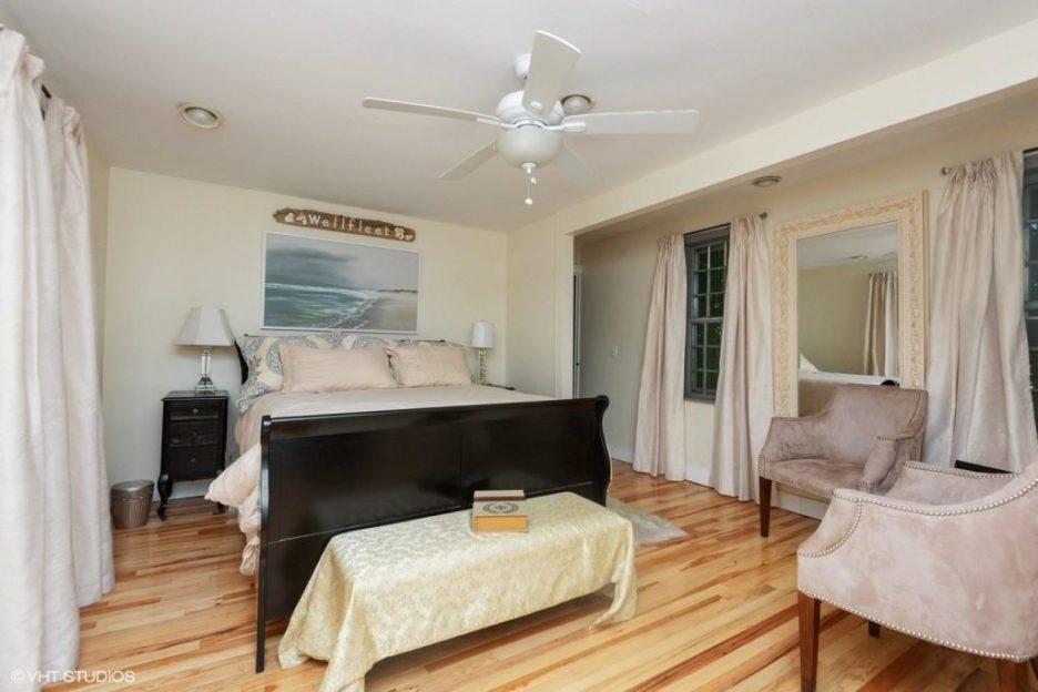 Antique Cape Cod Sandwich MA bedroom 2
