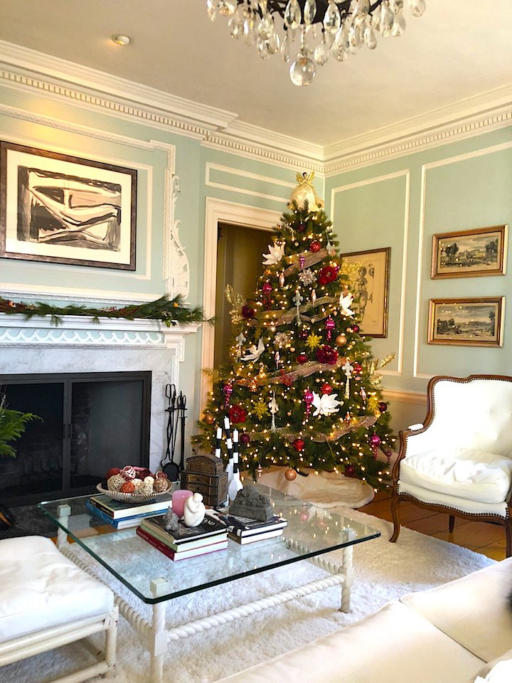 19 Federal Street living room Holiday House Tour 2018