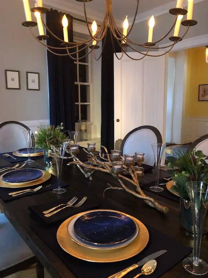19 Federal Street kids table Christmas Holiday House Tour 2018