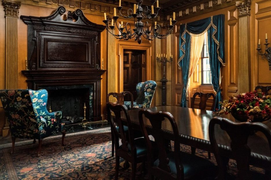 Starz Outlander River Run Dining Room