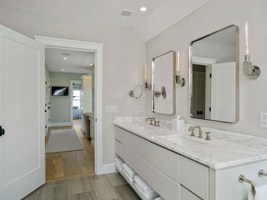 46 Winsor Street Duxbury Bay Ocean view master bath Duxbury Bay Home