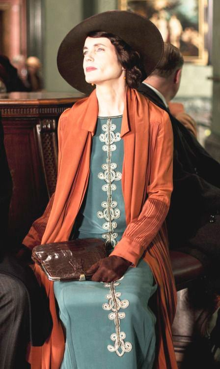 Lady Cora orange-coat