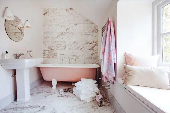 Rhydyclafdy, Pwllheli, Gwynedd Scandi New England bathroom marble wall pink clawfoot tub