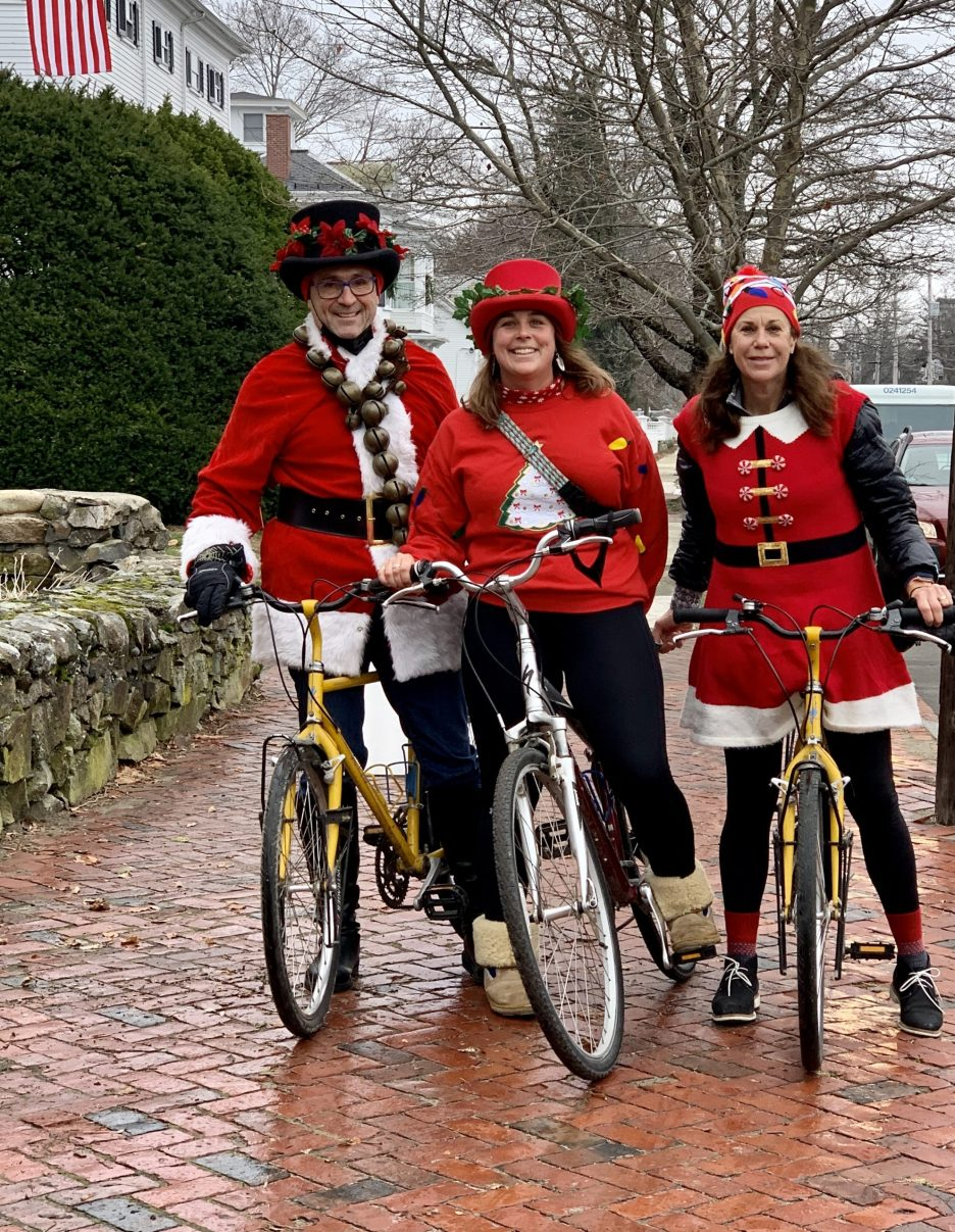 Newburyport biking carolers
