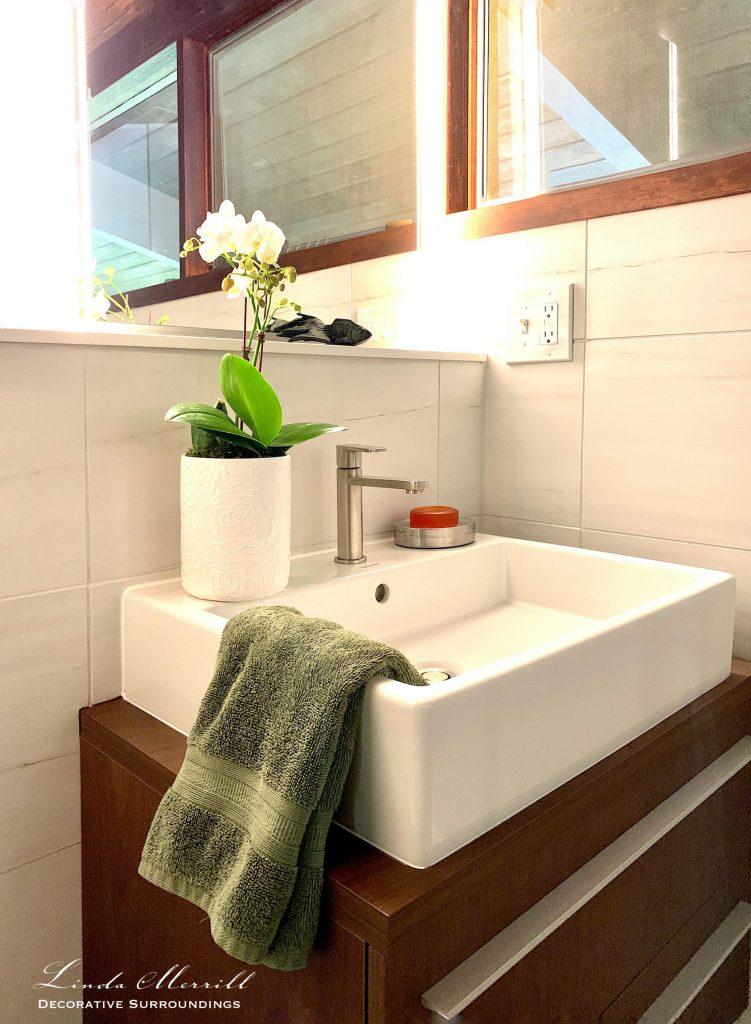 Linda Merrill Decorative Surroundings mid-century Deck House bathroom vanity