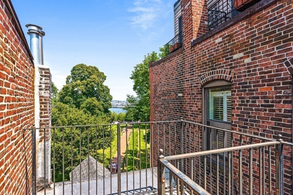 44 Hull St Boston Skinny House Spite House Roof deck with view boston harbor