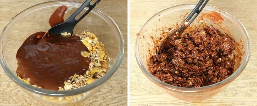 3. Tryck ner smeten i en skål, klädd med plastfolie.