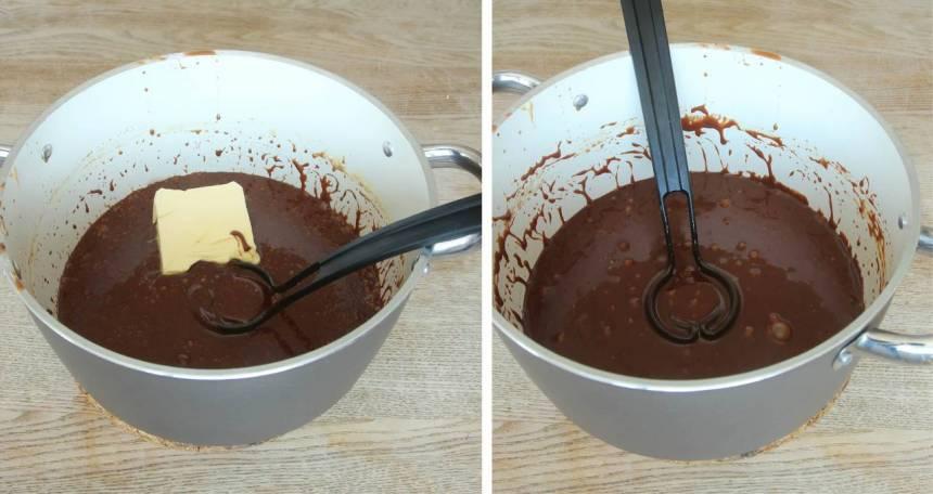 4. Blanda alla ingredienserna utom smöret, i en kastrull. Koka upp det och låt det puttra till 125–127 grader. Tag bort kastrullen från värmen och tillsätt smöret. Blanda till en slät smet.