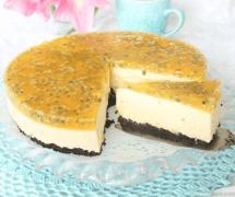 Ljuvligt god passionsmoussetårta –klicka här för recept!
