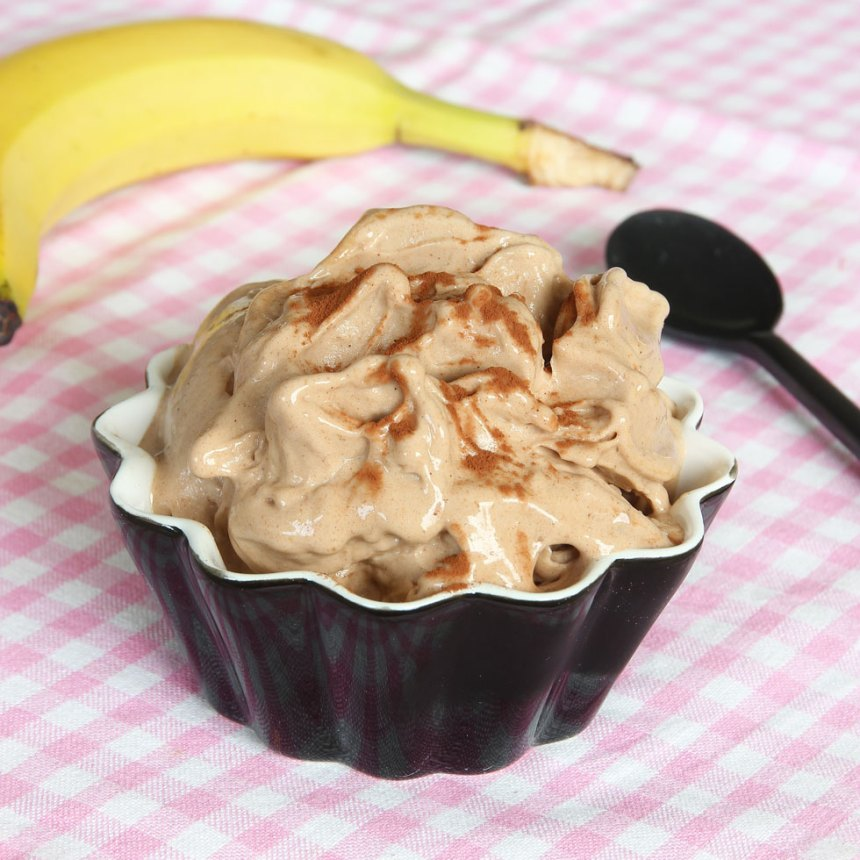 nyttig-chokladglass-på-banan3