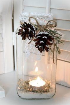 Norgesglass med lys og pynt