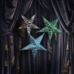 Håndlagde papirstjerner div farger