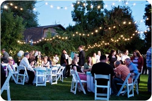 utendørs bryllup lyslenke dekor