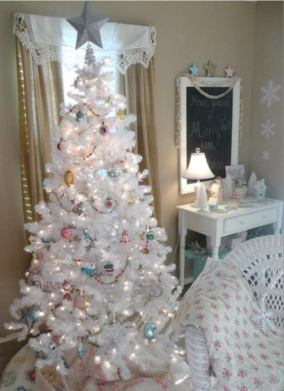 hvitt kunstig juletre tavle wallstickers