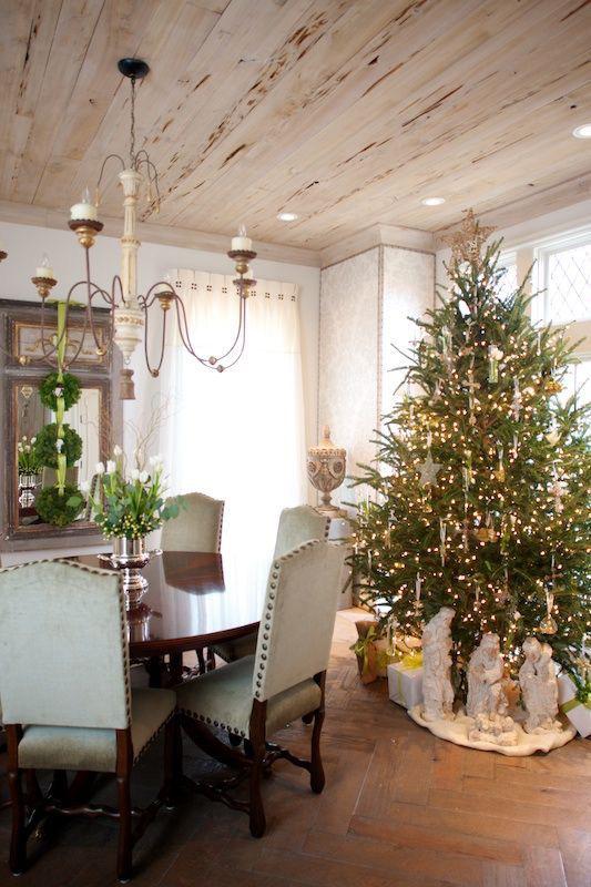 pyntet stue jul juletre engler