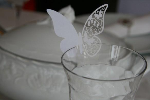bordkort vinglass sommerfugl