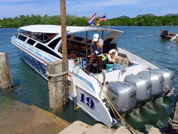 Pak Bare pier speedbåt