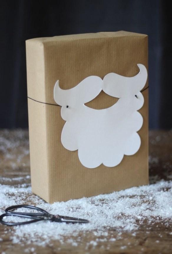 innpakking-julegaver-med-nisseskjegg