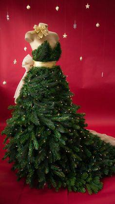julekjole-dekorasjon-granbar-og-sloyfe
