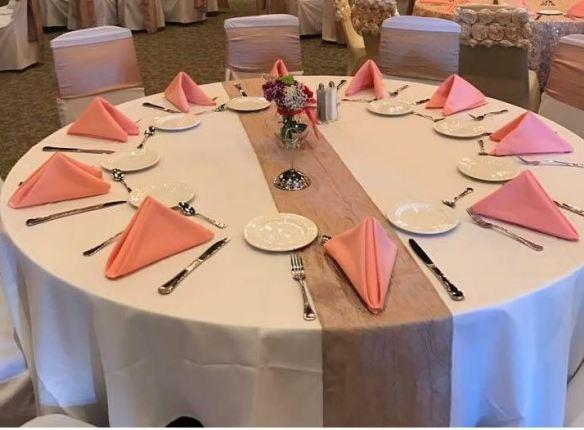 Rosa servietter borddekking