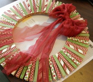 Jenet Munden: Covered Clothespin Wreath