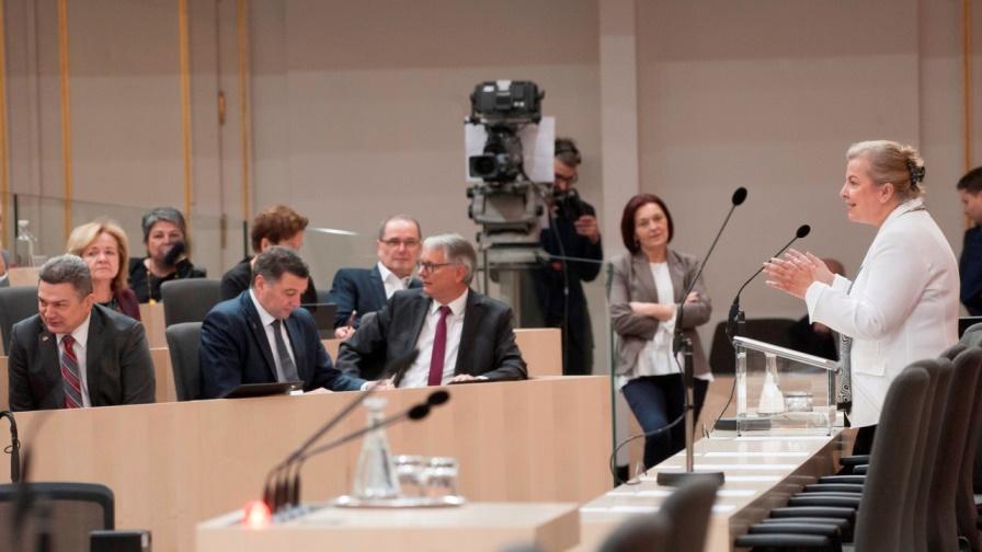 Beate Hartinger-Klein (F), Bundesministerin für Arbeit, Soziales, Gesundheit und Konsumentenschutz. (Bild: © Parlamentsdirektion / Thomas Jantzen)