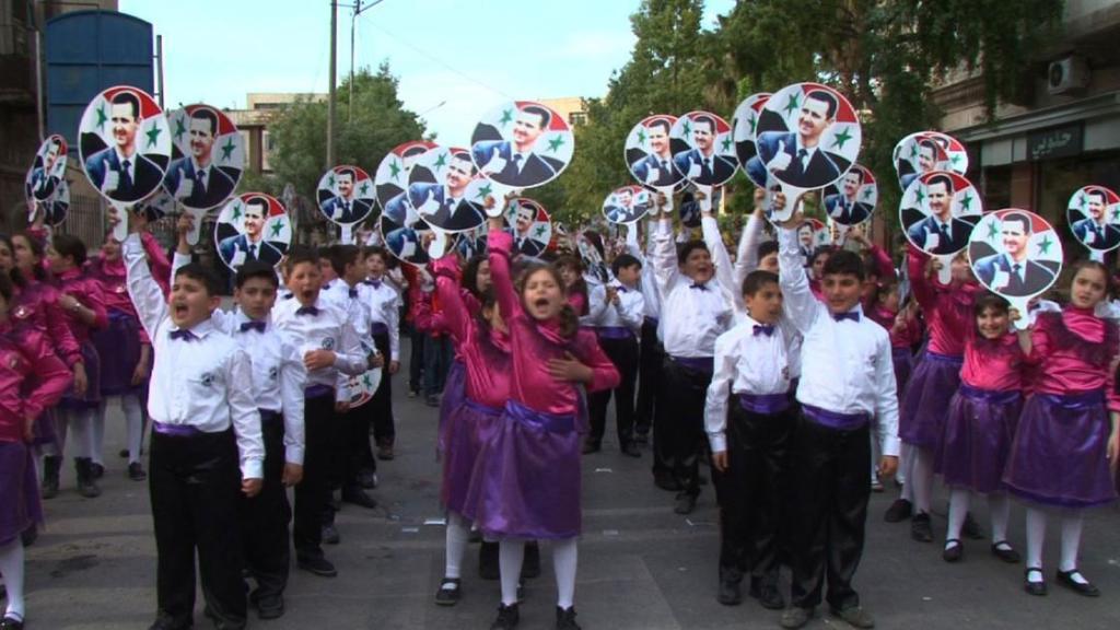 Parade von Kindern in Syrien