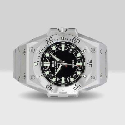 Linde Werdelin pre-owned founders Biformeter black dial vintage watch