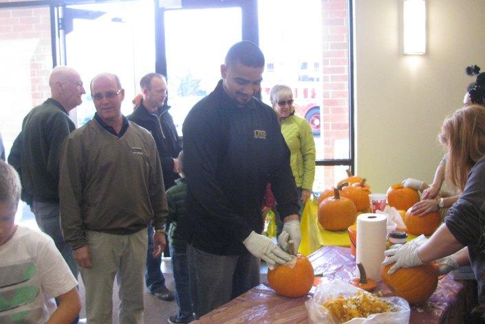 Lind pumpkin carving