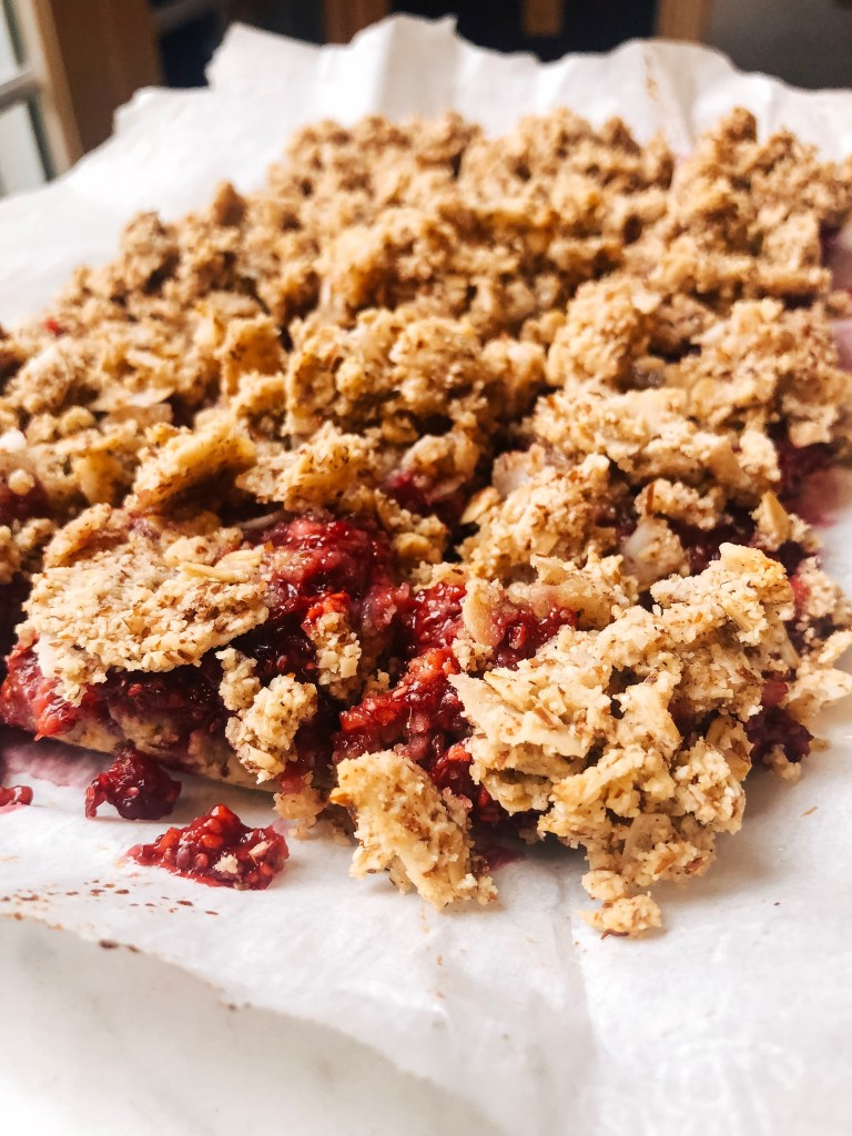 gluten-free raspberry crumble bars