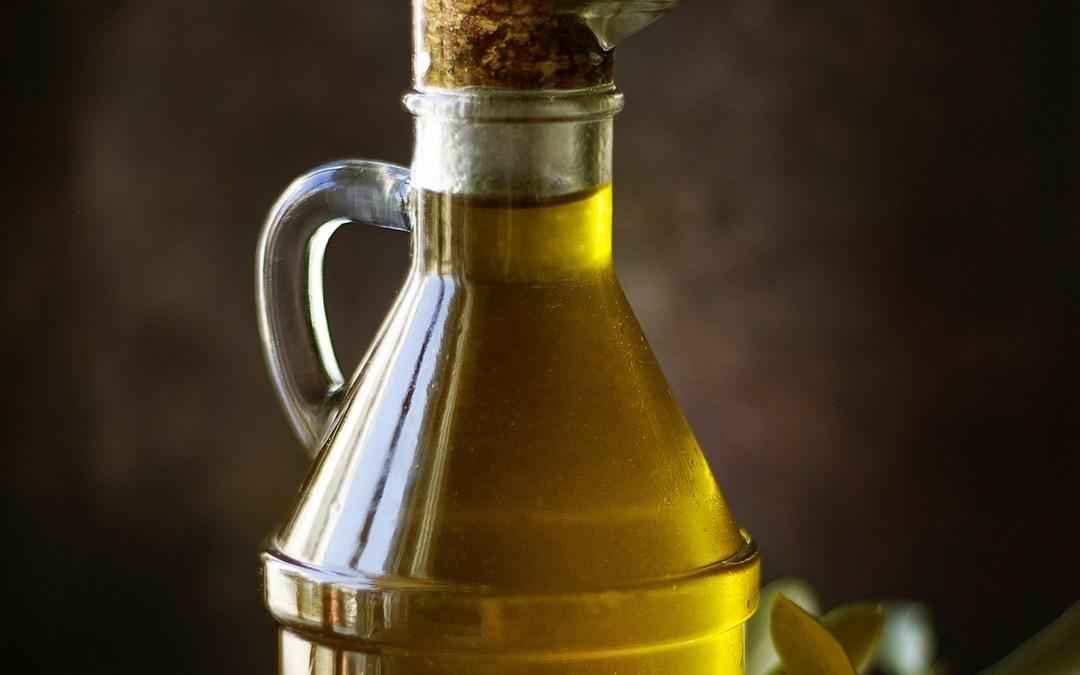 Castor Oil for Sore Knees or Wrists