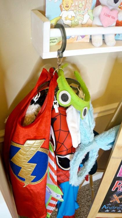 USH-costume-holder4