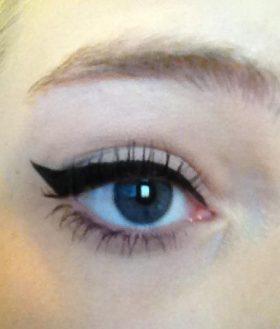 define-eyeliner-a-thrilling-liquid-black-1358376496-jpg