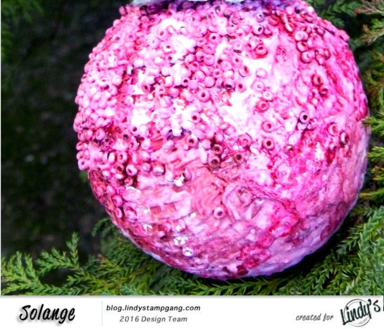 christmas-ornaments-by-solange-marques-using-lindys-stamp-gang-starburst-06