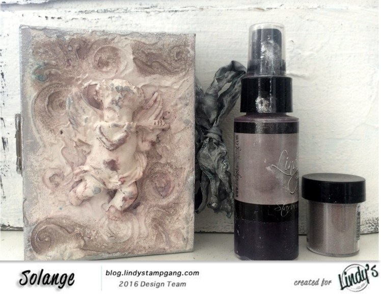 christmas-card-on-canvas-by-solange-marques-with-lindys-stamp-gang-products-01