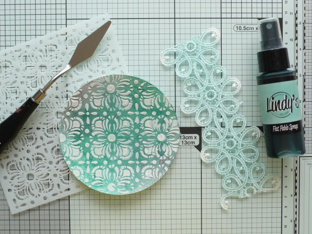 Step by step tutorial on how to create this fun, quick and easy card project