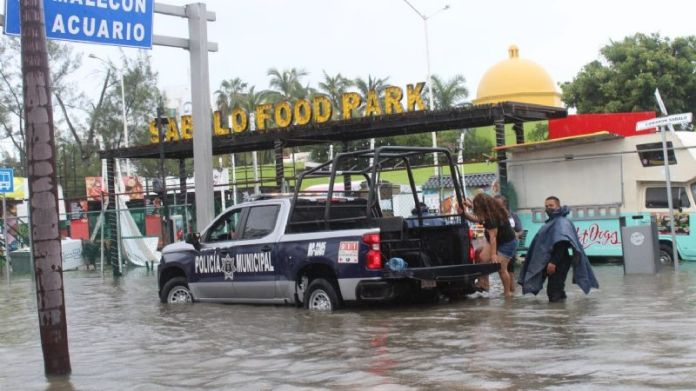 """Climate: """"Nora"""" leaves 210 mm of water in Mazatlán;  the rains will continue, warns PC"""