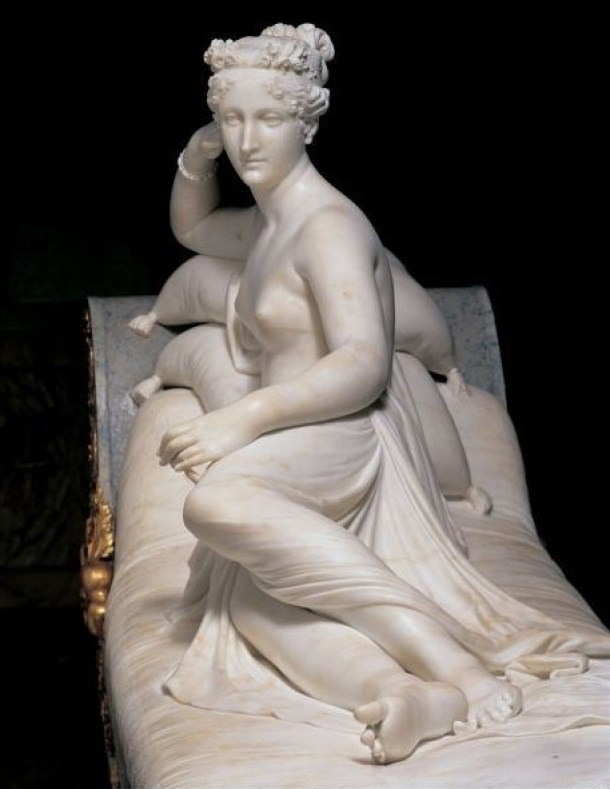 Venus de medio perfil.