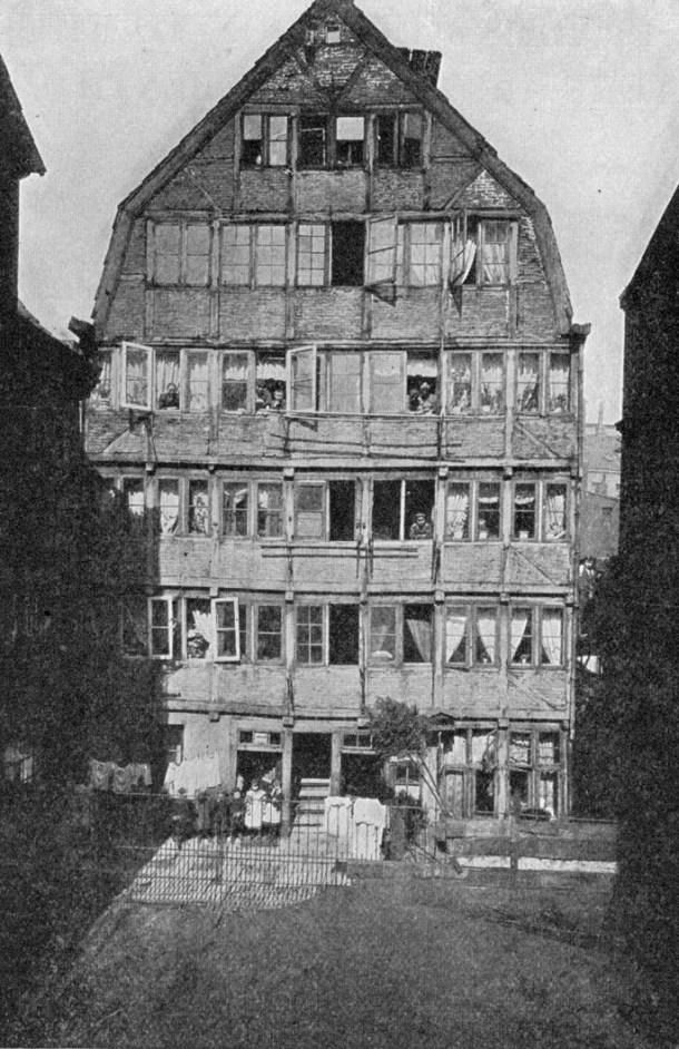 Ésta es la casa en la que nació y se crió Brahms.