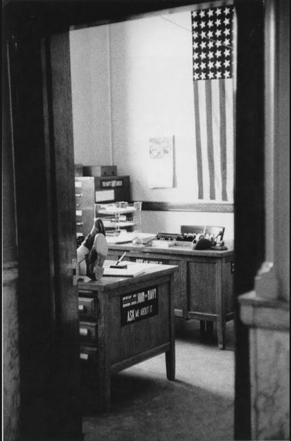 6 Robert Frank Centro de reclutamiento de la Marina, oficina de correos. Butte, Montana