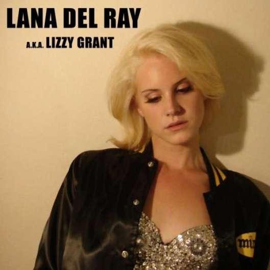 當拉娜德芮還是 Lizzy Grant 時,留著一頭俏麗金髮