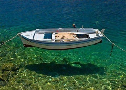 Εντυπωσιακές εικόνες σε διάφανα νερά5