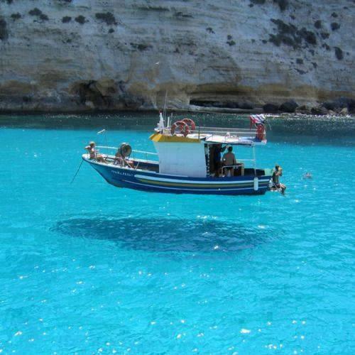 Εντυπωσιακές εικόνες σε διάφανα νερά7