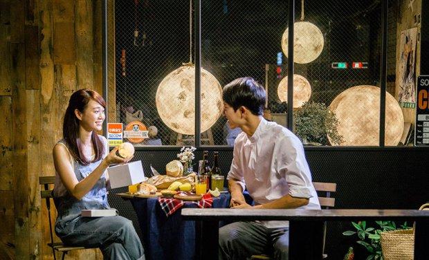 moon-lamp-luna-acorn-studio-3