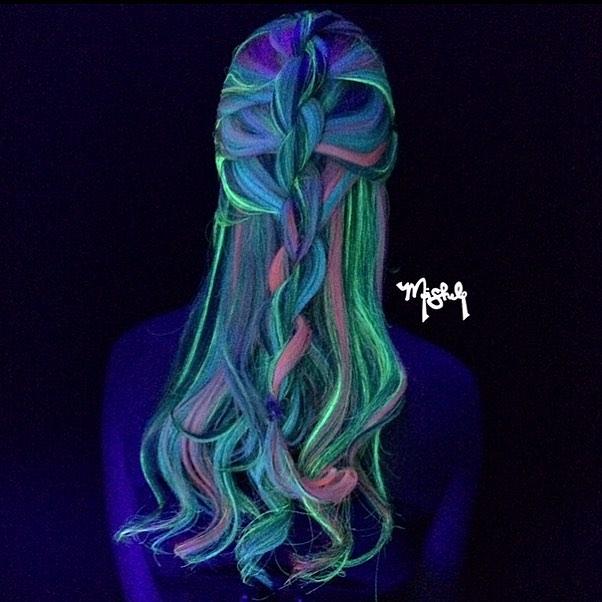 La-nueva-tendencia-del-cabello-que-brilla-en-la-oscuridad-13
