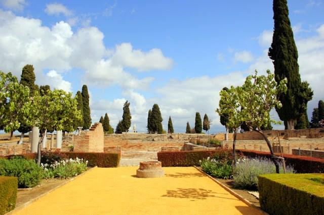 Roman garden, Italica