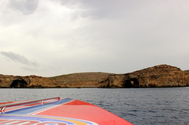 Approach to Comino