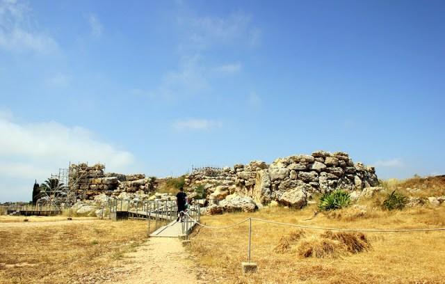 Approaching Ggantija Temples
