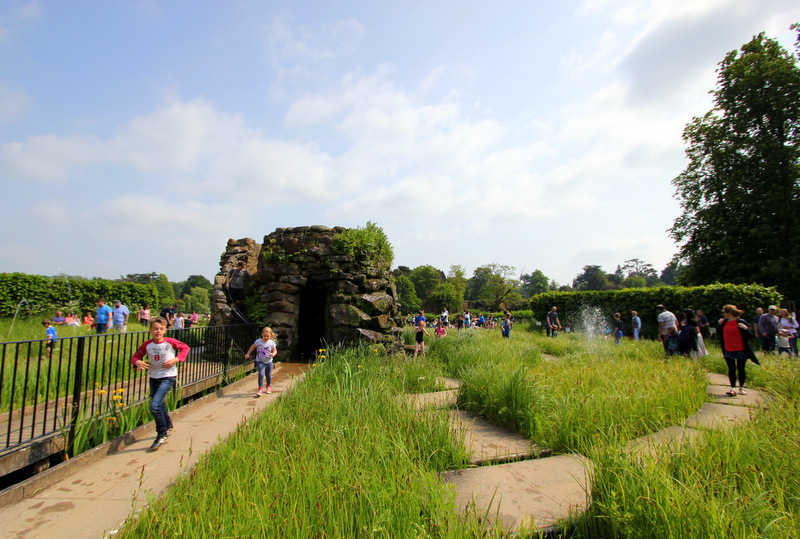 Water maze at Hever Castle