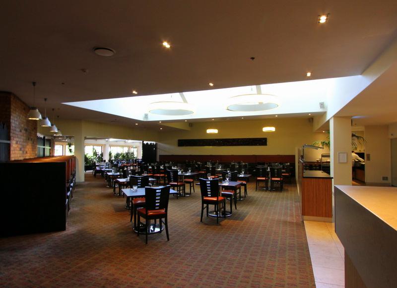 Vapor Restaurant at Holiday Inn Auckland Airport